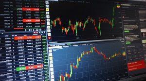 """מסחר במניות בארה""""ב"""